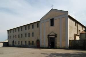 L'esterno del Santuario della Madonna della Salute, a Valentano