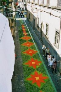 Dessins géometriques en Rue Gramsci