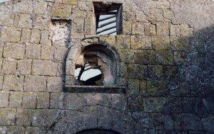 Particolare dei resti della ex-chiesa della Commenda