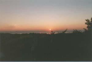 À l'aube de la veille de mi-août