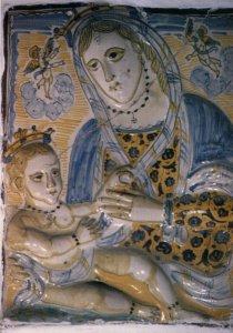 Maiolica seicentesca con Madonna e Bambino