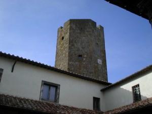 """La torre ottagonale vista dal """"Cortile d'Amore"""""""